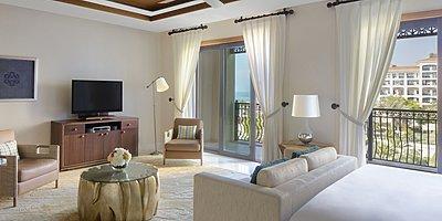 St. Regis Suite Wohnbereich - The St. Regis Saadiyat Island Resort
