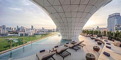 Swimming Pool - Waldorf Astoria Bangkok