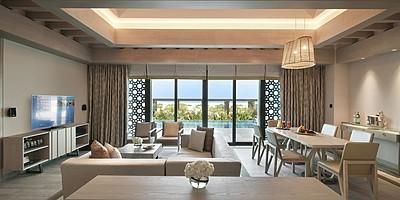 Wohnzimmer der Two Bedroom Beach Pool Villa