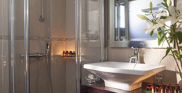 Badezimmer - Aegean Suites