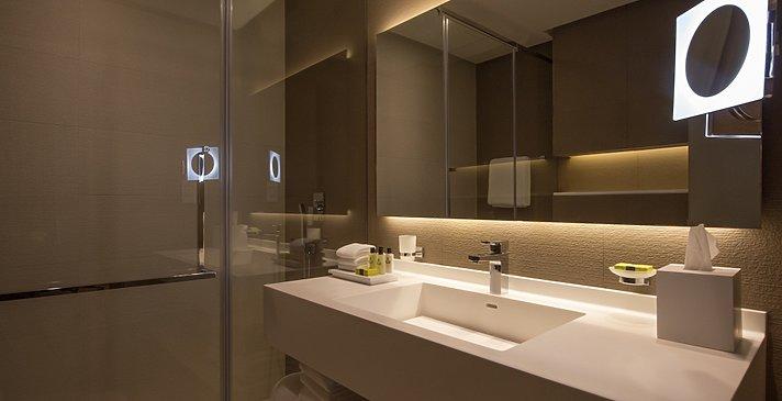 Badezimmer - InterContinental Dubai Marina