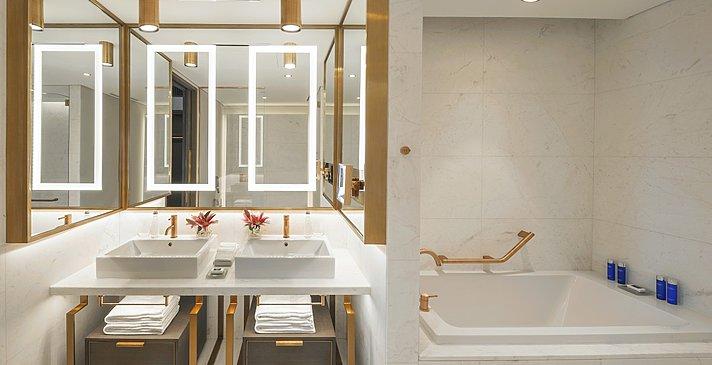 Badezimmer Julius Ocean Room - Caesars Palace Dubai