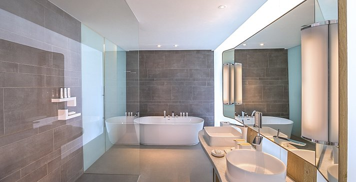 Badezimmer Luux (Sea View) Room & Signature Suite