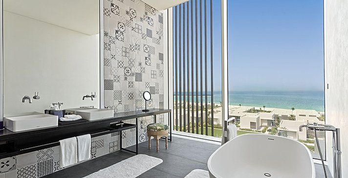 Badezimmer Premier Suite - The Oberoi Beach Resort, Al Zorah