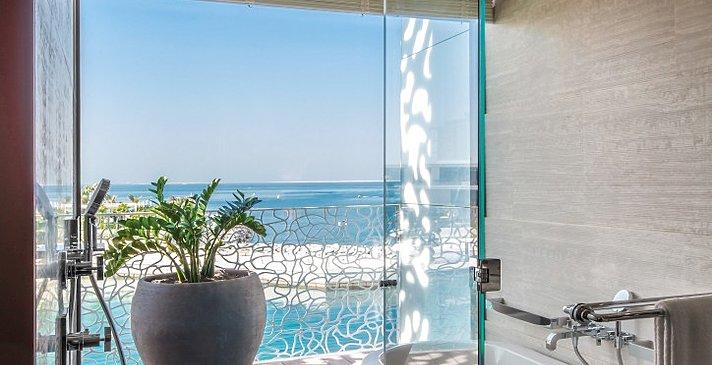 Badezimmer Premium Ocean Room - Bulgari Resort Dubai