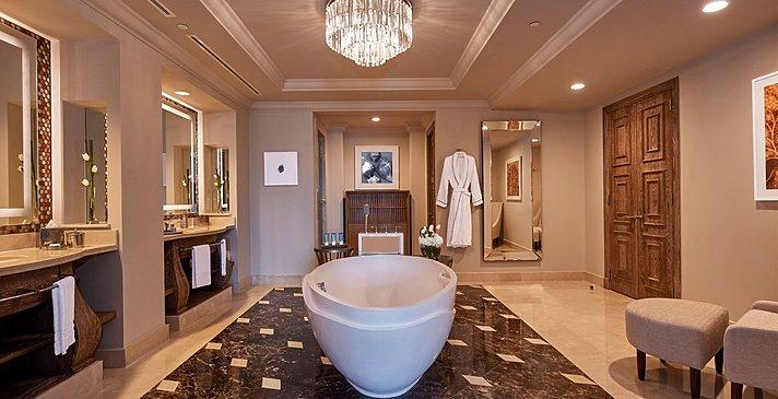 Badezimmer Regal Club Suite