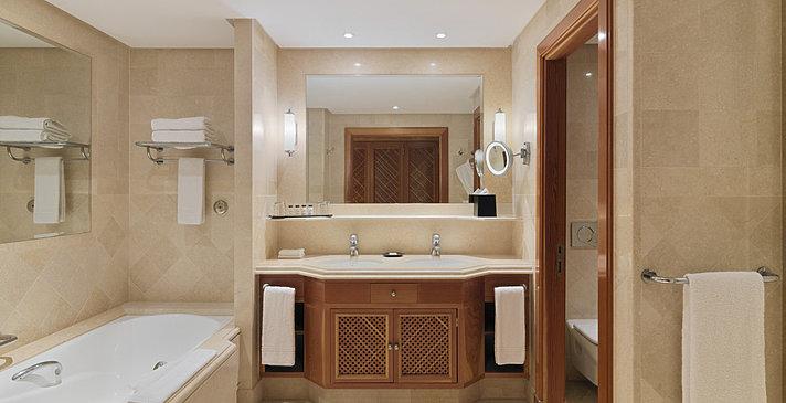 Badezimmer - Sheraton La Caleta Resort & Spa