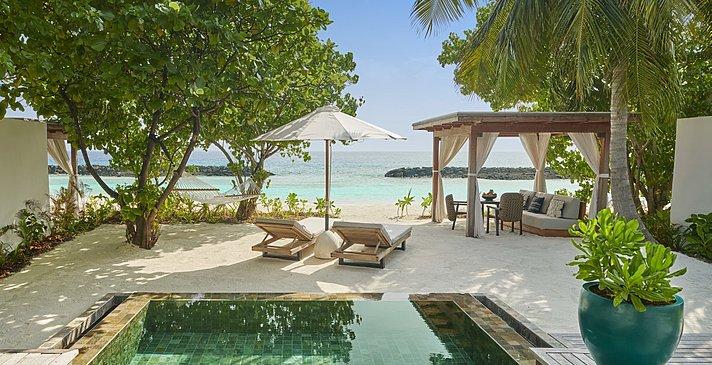 Beach Sunrise / Sunset Villa Pool - Fairmont Maldives Sirru Fen Fushi
