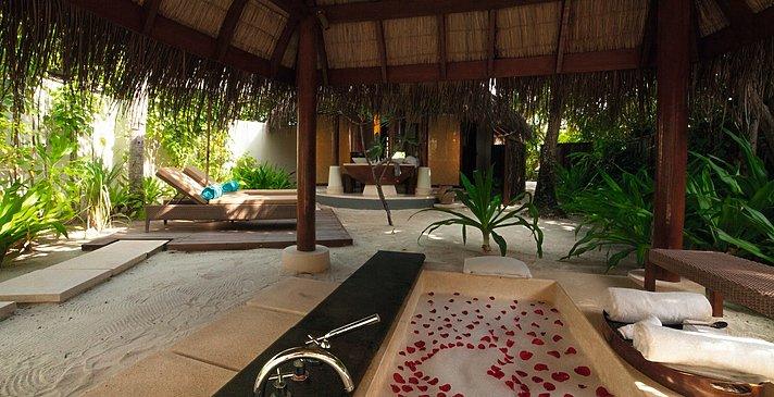 Beach Villa - Constance Halaveli Resort