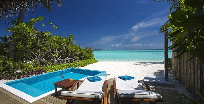 Beach Villa mit Pool - Velassaru