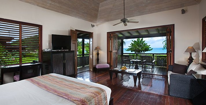 Beachfront Suite - Hermitage Bay