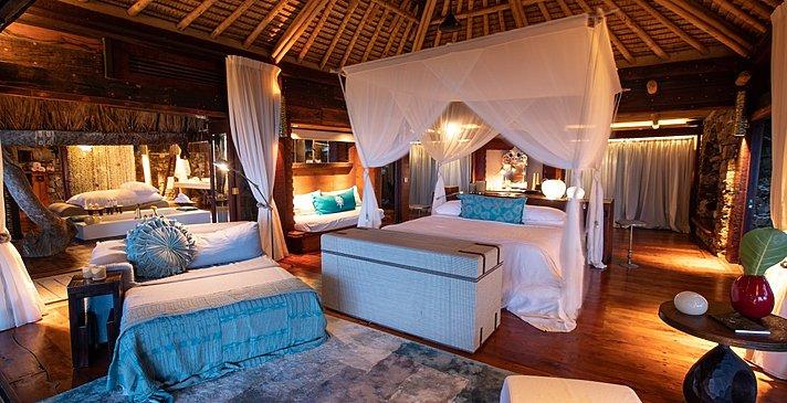 Beachfront Villa Schlaf- und Badezimmer - North Island Resort
