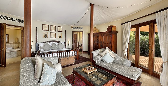 Bedouin Suite - Al Maha Desert Resort & Spa