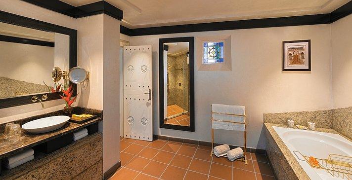 Badezimmer der One Bedroom Villa - Beit Al Bahar Villas
