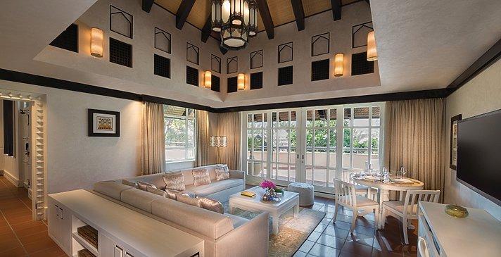 Wohnzimmer der Two Bedroom Villa - Beit Al Bahar Villas