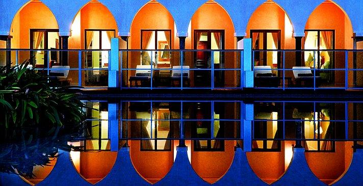 Bustan Lagoon Access - Al Bustan Palace, A Ritz-Carlton Hotel