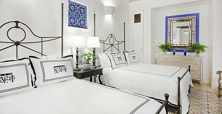 Superior Room - Casas del XVI