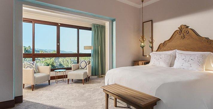 Classic Window - Castillo Hotel Son Vida