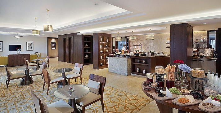Club Lounge - The Ritz-Carlton, Dubai