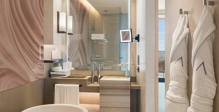 Deluxe Room Marina Balcony - Badezimmer