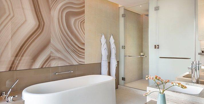 Deluxe Room Marina View - Badezimmer