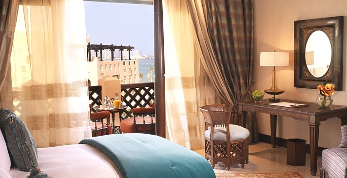 Deluxe Sea View - Sharq Village & Spa, A Ritz-Carlton Hotel