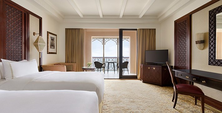 Deluxe Sea View Twin - Shangri-La Al Husn Resort & Spa