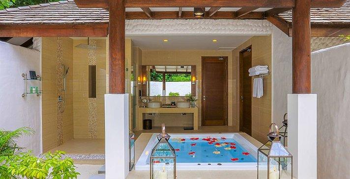 Deluxe Sunset Beach Villa - Hideaway Beach Resort & Spa