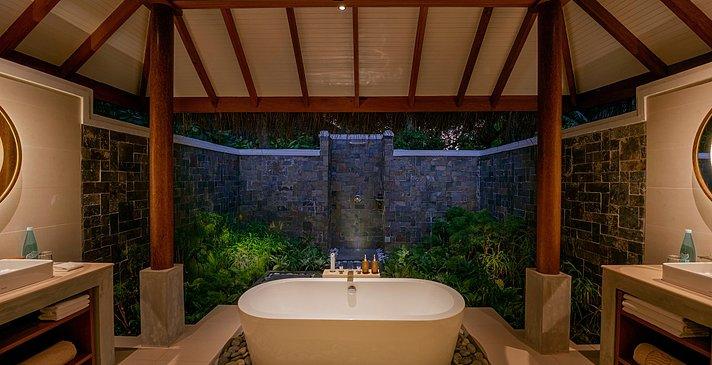 Deluxe Villa Badezimmer - Baros Maldives