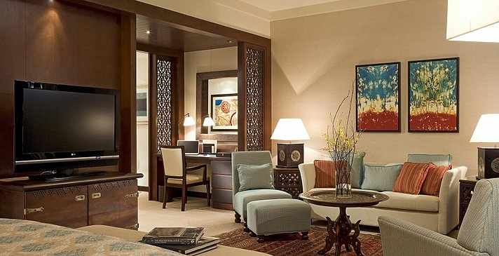 Diplomatic Suite Lakeview