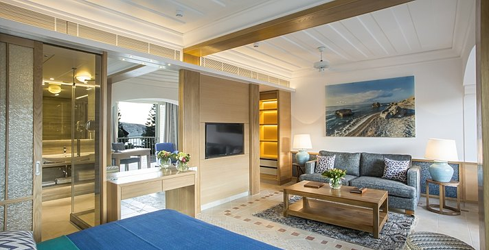 Executive Suite East - Columbia Beach Resort