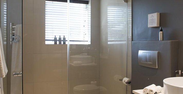 Four Rosmead - Badezimmer