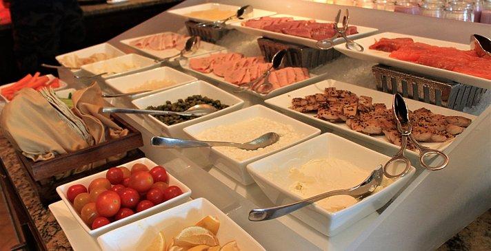 Frühstück - The Ritz-Carlton, Dubai