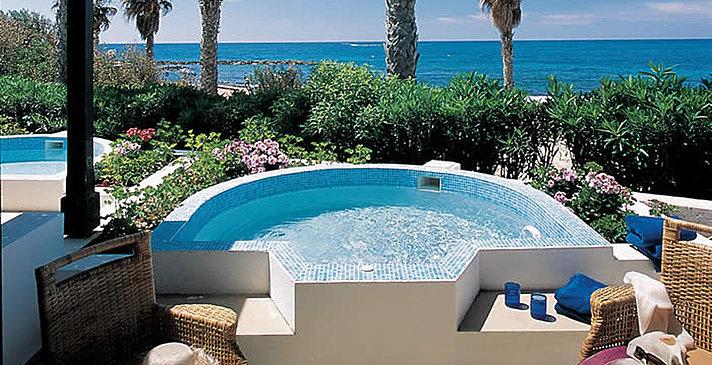 Sea View Garden Studio Suite mit Whirlpool - Annabelle