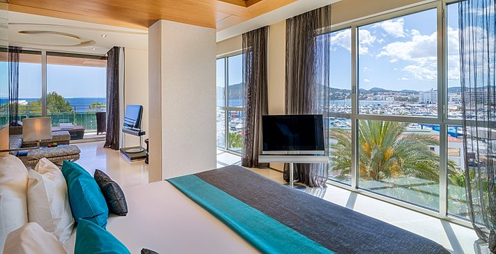 Grand Corner Suite - Aguas de Ibiza