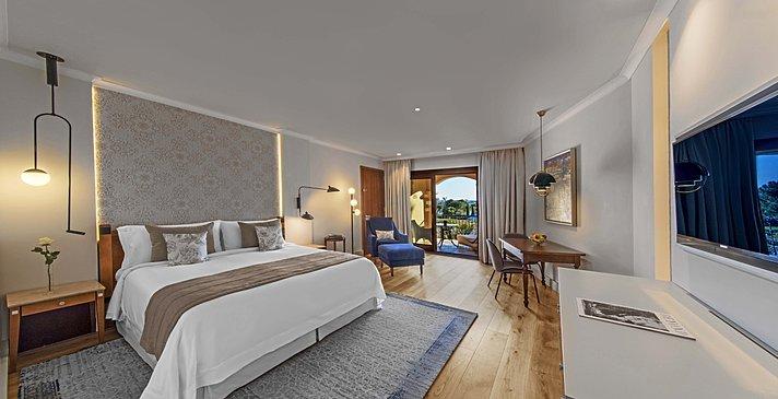 Grand Deluxe Sea View - The St. Regis Mardavall Mallorca Resort