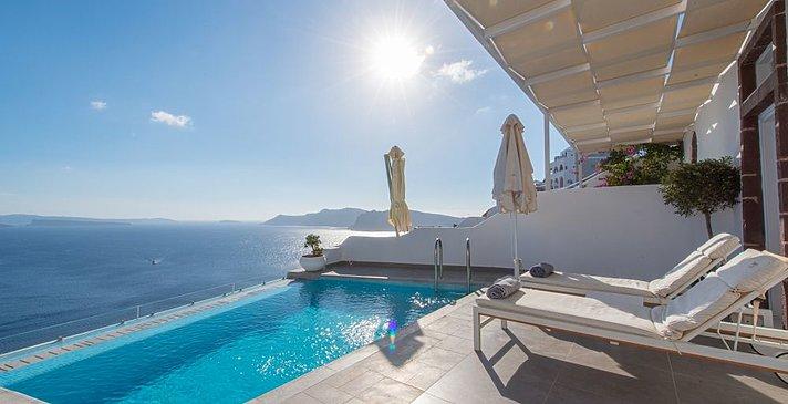 Honeymoon Suite Pool - Santorini Secret Suites & Spa