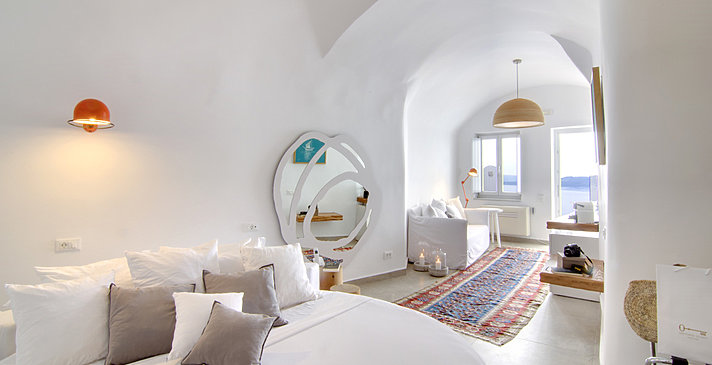 Honeymoon Suite - Santorini Secret Suites & Spa