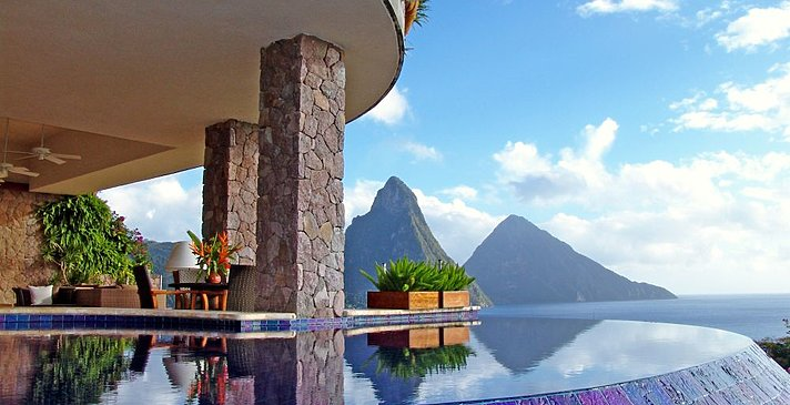 Moon Sanctuary - Jade Mountain