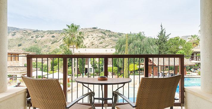 Junior Suite Pool View - Columbia Beach Resort