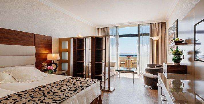 Junior Suite Sea View - Amathus Beach Hotel Limassol