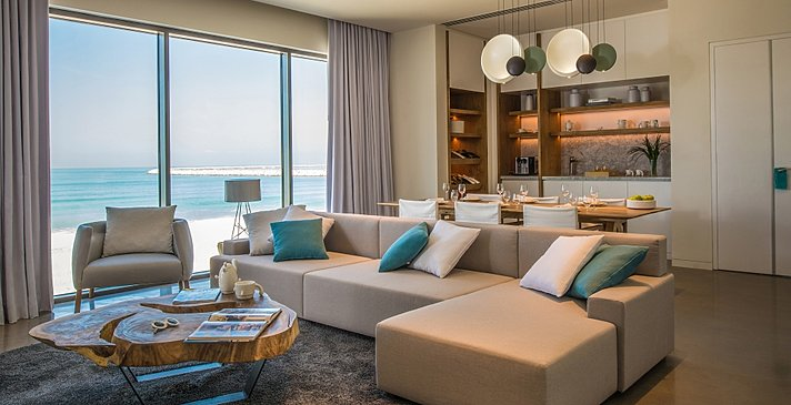 Luux Suite Sea View Wohnzimmer - Nikki Beach Resort & Spa Dubai