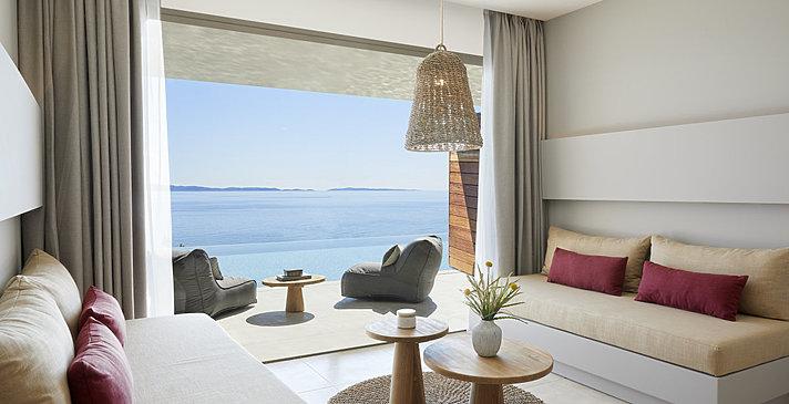 One Bedroom Family Suite Swim Up - MarBella Elix