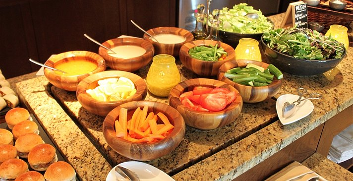 Mittagessen - The Ritz-Carlton, Dubai