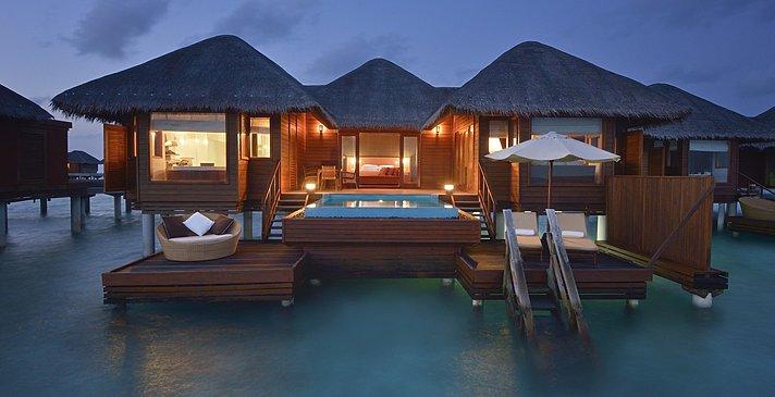 Ocean Bungalow mit Pool - Huvafen Fushi