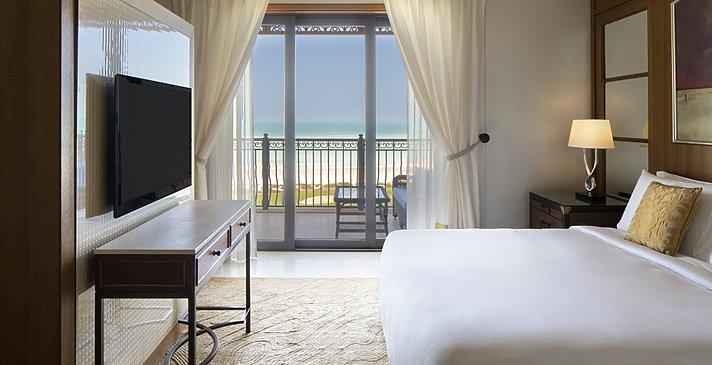Ocean Suite Schlafbereich - The St. Regis Saadiyat Island Resort