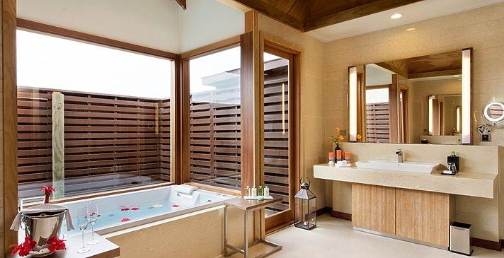 Ocean Villa mit Pool Badezimmer - Hideaway Beach Resort & Spa