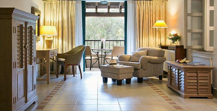 One Bedroom Family Suite - Columbia Beach Resort
