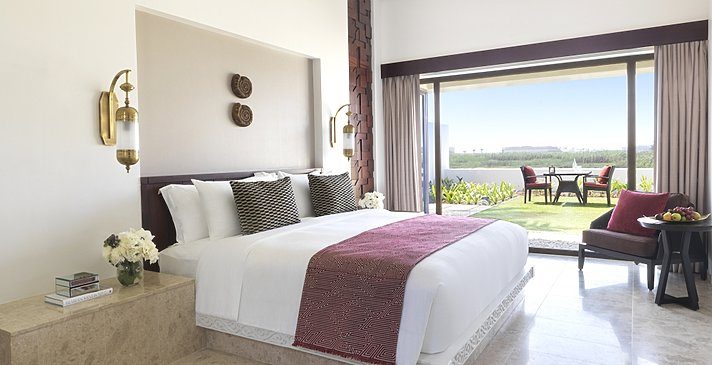 One Bedroom Lagoon View Villa Schlafzimmer - Baleed Resort Salalah by Anantara