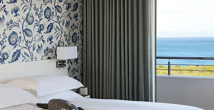 One Marine Drive Boutique Hotel - Sea View Room